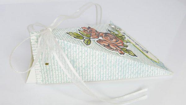 Dreiecksbox Blütentraum