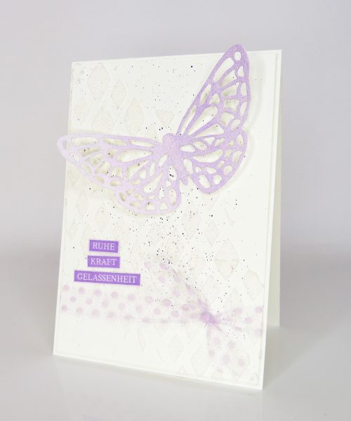 Karte mit Schmetterling Schleifenband einfärben